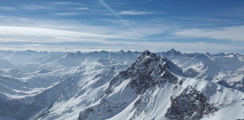 Kryosphäre - Schneebedecktes Gebirge als Beispiel für die Kryoshäre