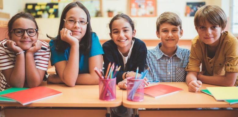Lächelnde Schüler