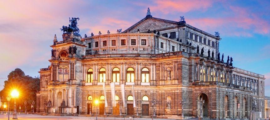 Blick auf die Semperoper Dresden