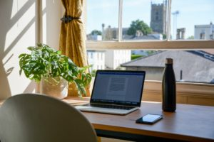 7 Studentenjobs für zuhause – diese Jobs lohnen sich