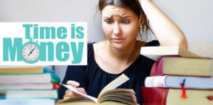Zeitmanagement Methoden Frau mit Büchern